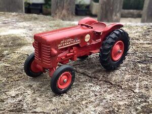 Matchbox toys series K4 McCormick international B250 tractor tracteur traktor