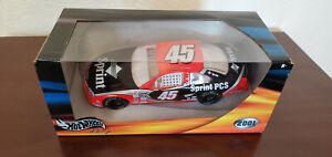 Hot Wheels 1-888-45Petty Sprint PCS #45 2001 1:24 NASCAR Diecast