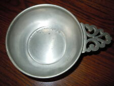 VINTAGE PEWTER ROUND NAPPY DISH BOWL TRAY SIGNED NICE QUALITY ORNATE HANDLE OLD