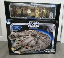 Millennium Falcon & Crew STAR WARS Original Trilogy Collection Sam's Exclusive