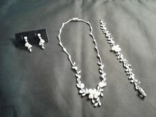 Ladies Fashion Jewelry Set W&D Silver/Pearl/CZ Bracelet Necklace Earrings