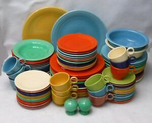 HOMER LAUGHLIN china FIESTA Vintage 90-piece SET SERVICE for 12 with 6 Serving