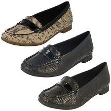 Zapatos planos de mujer Clarks de piel