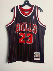 Mens Mitchell &Ness NBA Chicago Bulls Michael Jordan Pinstripe Vintage (L)
