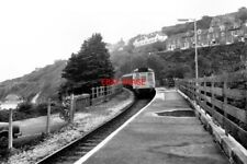 PHOTO  1981 ST. IVES RAILWAY STATION THE DIESEL UNIT IS WORKING ON A SERVICE TO