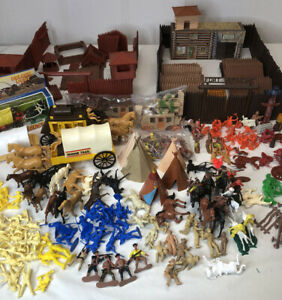 Lot of Vintage Marx Fort Apache Parts and Others