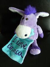 R5- DOUDOU PELUCHE ANE I LOVE CORSICA AVEC MOUCHOIR mauve violet bleu 26cms TBE