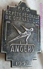 BG6129 - INSIGNE BADGE FETE FEDERALE GYMNASTIQUE ANGERS 1957