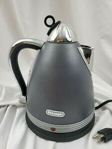 DeLonghi Metropolis KBM1511 1.7L  Electric Tea Kettle W/Base Stainless Steel