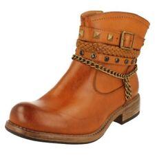 Botas de mujer botines Rieker color principal marrón