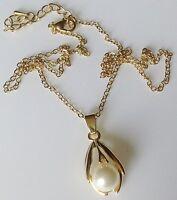 collier rétro chaine couleur or pendentif déco en relief avec perle blanche 509