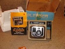 VINTAGE - KODAK PLEASER TRIMPRINT INSTANT CAMERA