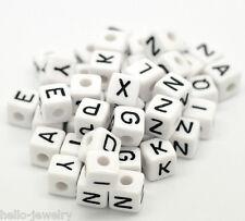 Neu 100 Weiß Acryl Schwarz Buchstaben Würfel Perlen Spacer Beads 10x10mm JO