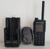 MOTOROLA MTP850S TETRA FUNKGERÄT UHF Band Neue Aktiv  KFZ Ladehalterung MTP 850