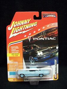 Johnny Lightning Muscle Cars USA 1961 Pontiac Catalina Limited Edition.