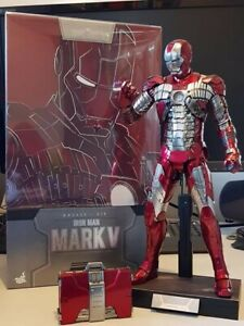 Hot toys Iron man Mark V Diecast ( preowned )