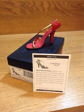 Raine Just the Right Shoe Coa Box Wild Fire 25452 Stepping Out