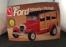 AMT n° 6518 1929 Ford Woody Pickup kit 1/25 jamais monté complet