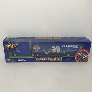 Winner's Circle Trailer Rig Tractor Kevin Harvick 29 Goodwrench Looney Tunes