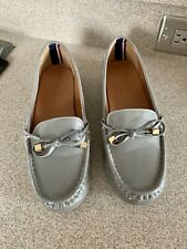 Womens Tommy Hilfiger Gray Loafer Dress Shoes Flats Size 8