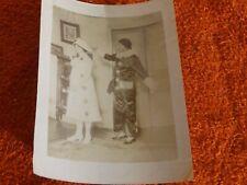 photo noir et blanc - pierro et pierret en costume
