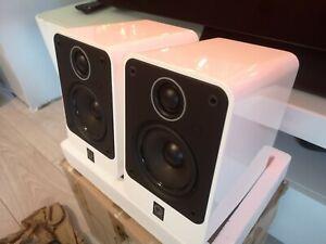 Q Acoustics 2010  Bookshelf Speakers - Pair