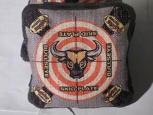 Pro Cornhole Bag Set of 4 BULLSEYE BAGS With SKID PLATE TRIM