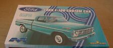 Ford 1969 F-100 Custom Cab Pickup 6 Cylinder Short Bed 1:25 Moebius Models