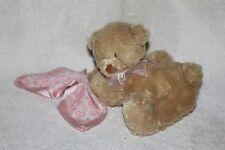 Soft CUDDLY PALS BABY GUND PUDDIN DREAMIN TEDDY BEAR w/ Pink Blanket Plush Toy