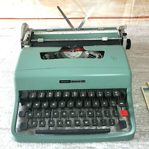 Vintage Olivetti Lettera 32 Typewriter w/Instruction, made in Barcelona Spain