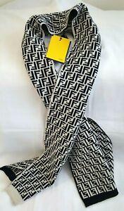 NWT FENDI Zucca Rectangular Beige Black 100% Wool Knitted Scarf