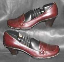 Sofft burgundy leather closed toe pumps heels Women's shoes size 8 1/2 M