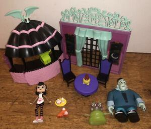 Hotel Transylvania Scream Cheese Cafe Mavis figure toy playset bundle Wendy Hank