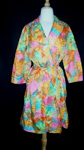 Fifth Avenue Robes 1950s1960s Quilted Floral Print Bathrobe