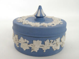 Wedgwood Blue Jasperware Round Trinket Vanity Dresser Dish Box with Lid 255B