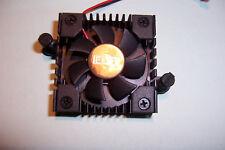 Enfriado por ventilador en miniatura heasink Power LED Regulador de voltaje de la CPU 40 X Ventilador de 40mm 5V Nuevo