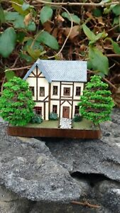 1:144 scale Tutor House fully furnished and electrified!  1/144