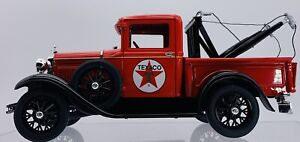 1931 Ford Model A Texaco Tow Truck Diecast 1:18 Scale Red Signature Model