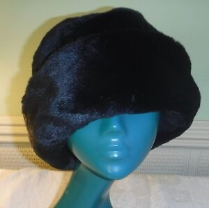 *VINTAGE STYLE  BLACK SOFT BOWLER FUN FUR HAT COSY CHIC BY KLASS COLLECTION  M