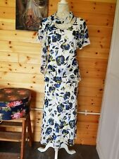 DEBENHAMS CLASSICS WHITE / BLUE / NAVY FLORAL DRESS WITH MATCHING SCARF - SIZE 1