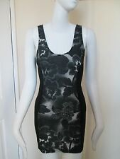 TOPSHOP  - BACK/WHITE FLORAL BODYCON MINI VEST DRESS  Size 8