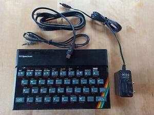 Sinclair ZX Spectrum, mit Netzteil, TV-Kabel und Audiokabel