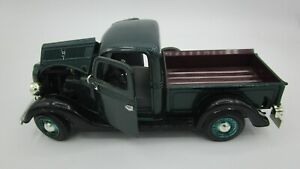 1937 FORD PICKUP 1:24 Scale Die Cast #68061