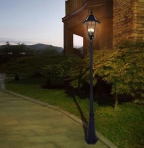 LUTEC LED LAMP POST SOLAR 300 LUMENS