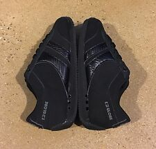 Globe Pulse Size 7.5 US Black Charcoal Running Skateboard Shoes Sneakers