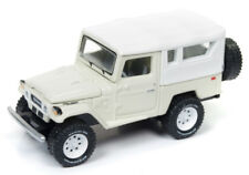 1/64 JOHNNY LGHTNING CLASSIC GOLD 4A5 1980 Toyota Land Cruiser in Dune Beige