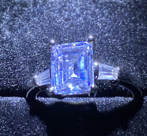 Pretty Created White/clear Sapphire Ring. Emerald Cut With Accents Size Q 1/2