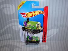 2014 Hot Wheels ''Hw Race'' #166 = Bump Around = Green int.