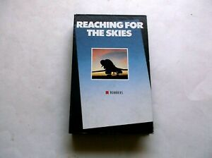 REACHING FOR THE SKIES VHS BOMBERS NARRATED BY ROBERT VAUGHN  1989