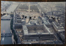 AVIATION, PHOTO AVION JAGUAR AU DESSUS DU LOUVRE A PARIS